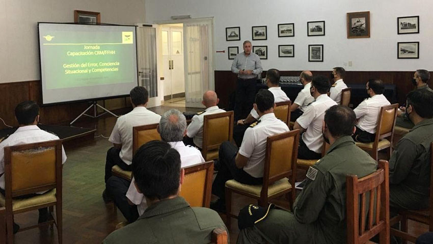 Aviadores de la Reserva Naval participaron de cursos y exposiciones en la Base Aeronaval Punta Indio